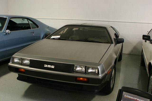 DeLorean DMC-12—sans flux capacitor